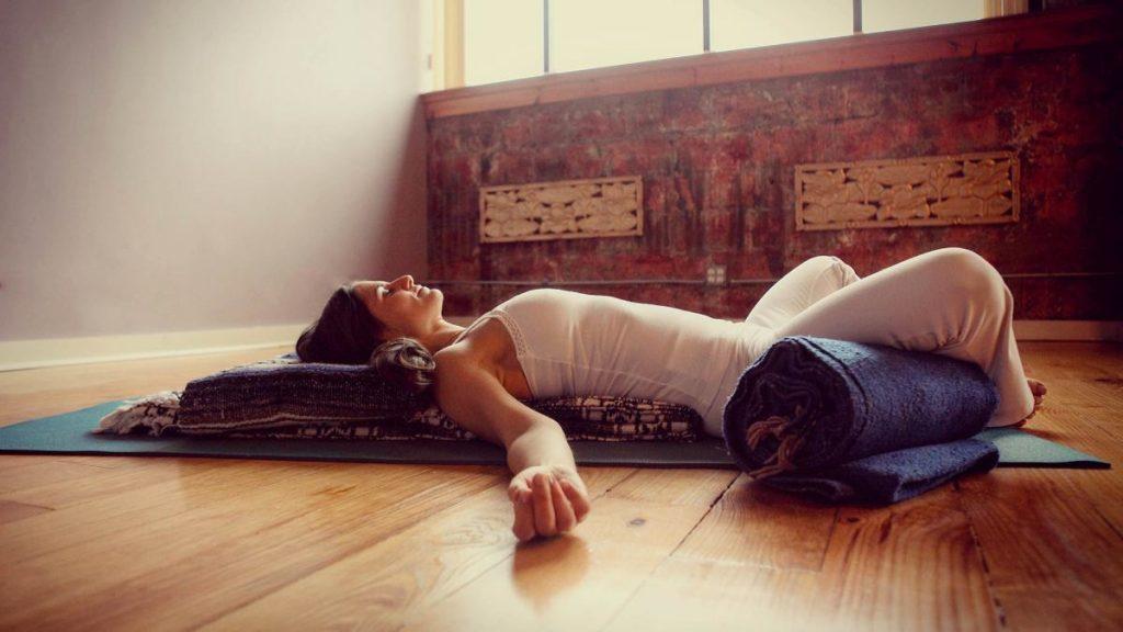 restoratieve yogalessen Elst